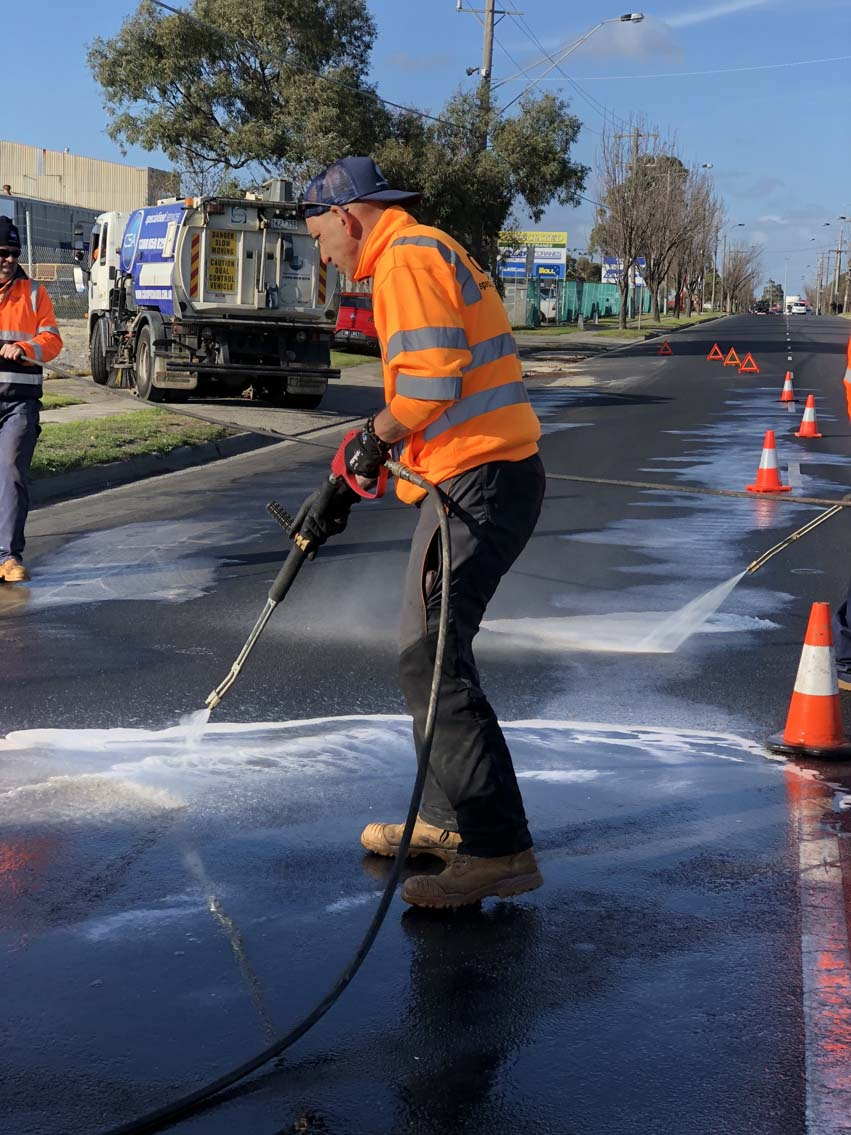 CSA cleaning oil spills in Thomastown